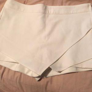White skirt/short